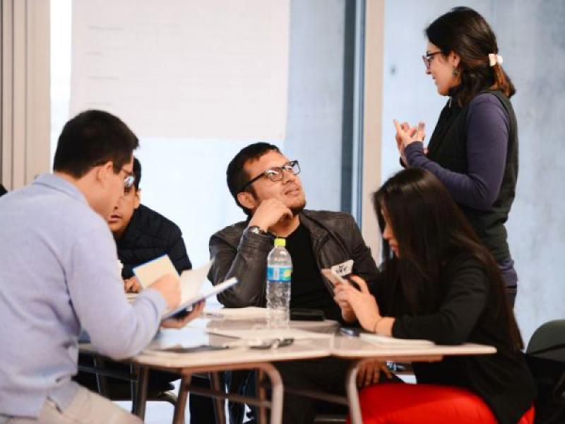 """""""design thinking"""" es un enfoque que se sirve de la sensibilidad del diseñador y su método de resolución de problemas"""