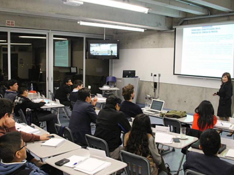 Programa Internacional en Gestión de Gas y Petróleo, Capacitación