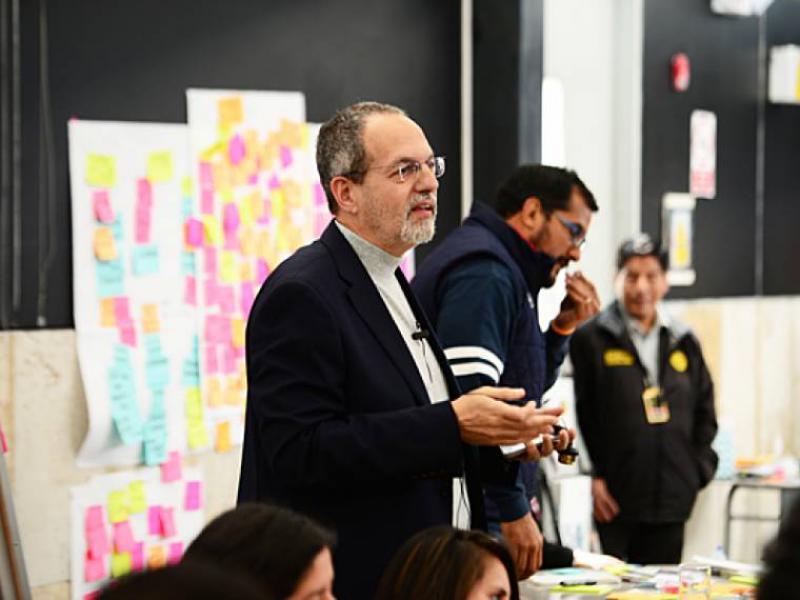 """Conocer diferentes métodos para llevar a cabo el """"design thinking"""""""